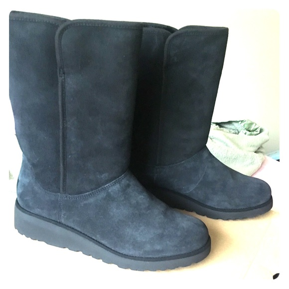 e26c28c4f22 Amie UGG Boots Women Size 9 Color Black Waterproof